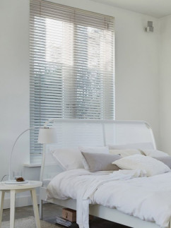 White Made to Measure 25mm Wooden Venetian Blind